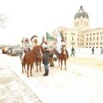 Lindsay Starr and FSIN Chief Perry Bellgarde staging for parade / Préparation de Lindsay Starr et du Chef Perry Bellegarde pour la parade